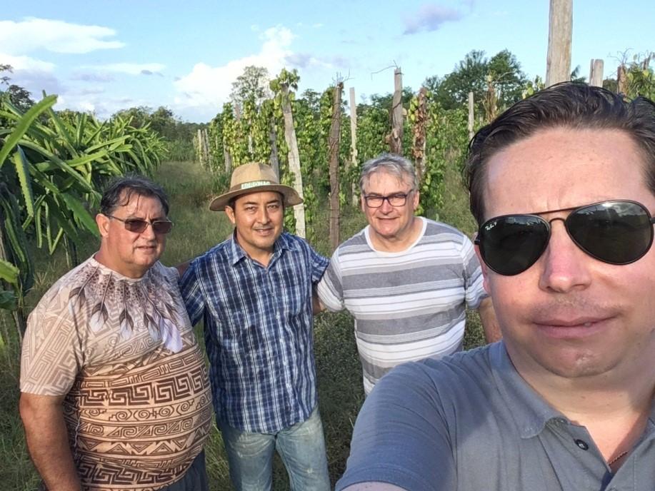 Sawada , com Renato e Emerson - Tomé Açú/PA